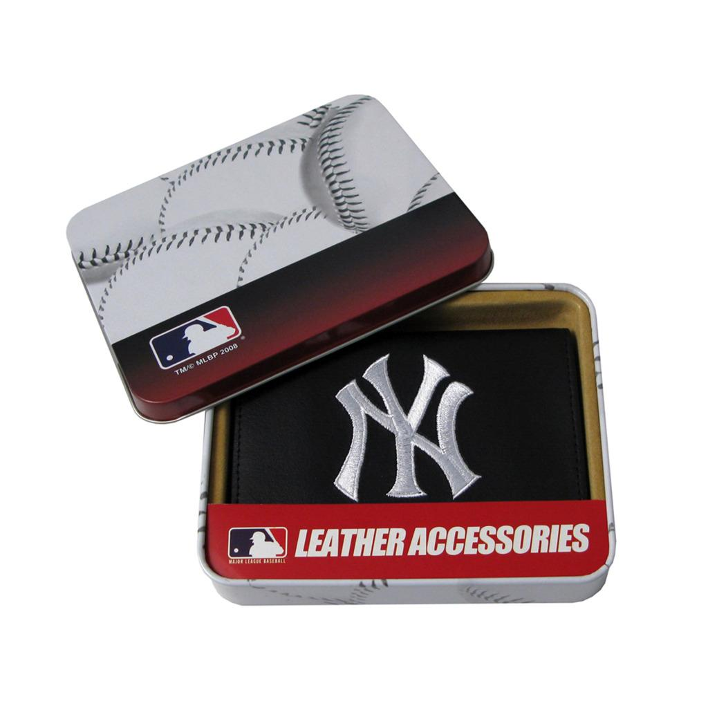 New York Yankees Men's Black Leather Tri-fold Wallet - Thumbnail 0