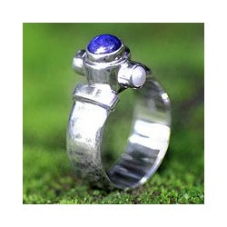Handmade Sterling Silver 'Trio' Freshwater Pearl Lapis Ring (3 mm) (Indonesia)