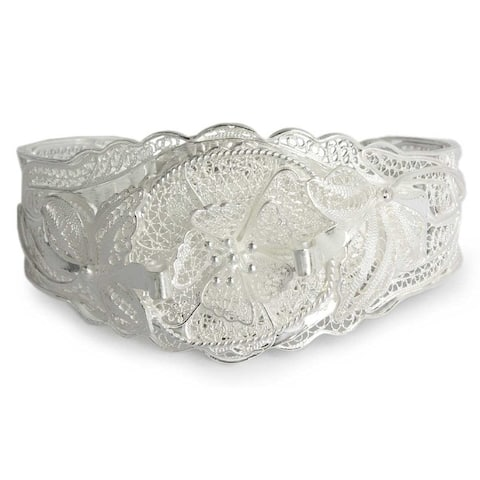 Wild Rose Romantic Lace Like Feminine Flower Theme Vintage Look 925 Sterling Silver Filigree Womens Cuff Bracelet (Indonesia)