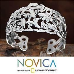 Handmade Silver 'Hummingbird Mystique' Cuff Bracelet (Mexico)