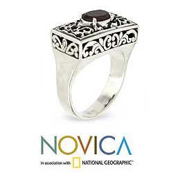 Handmade Sterling Silver Filigree 'Royal Coronation' Garnet Ring (Indonesia)