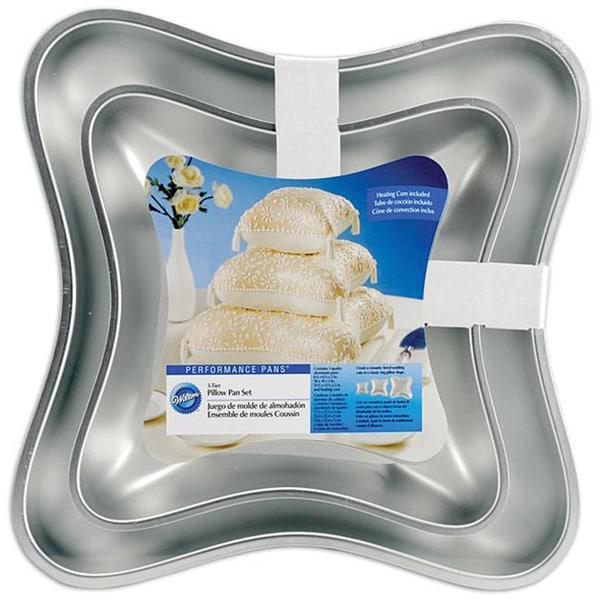 Performance Pillow Cake Pans