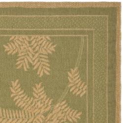 Safavieh Courtyard Ferns Green/ Natural Indoor/ Outdoor Rug (5'3 x 7'7) - Thumbnail 1