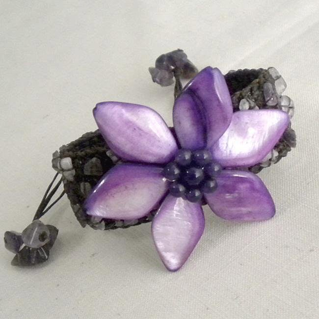 Handmade Cotton Mother of Pearl/ Amethyst Purple Flower Pull Bracelet (Thailand)