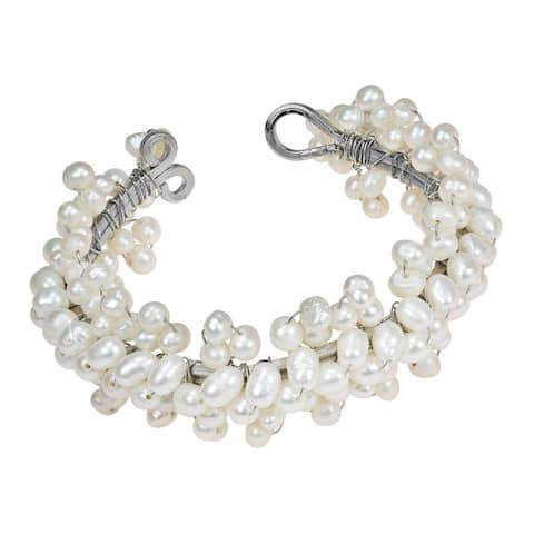 Handmade Lovely Flower Round Pearl Cuff Bracelet (Thailand)