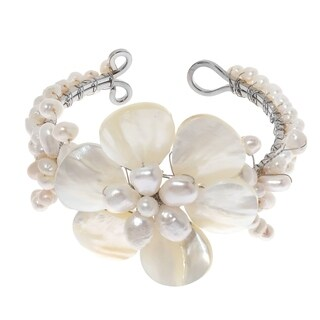 Handmade White Shell Flower and Beaded Pearl Bracelet (Thailand)