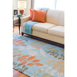 Hand-hooked Bliss Pale Blue Indoor/Outdoor Floral Rug (5' x 8') - Thumbnail 1