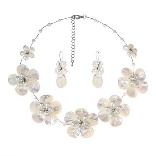 Handmade Mother of Pearl/ Pearl/ Crystal Floral Jewelry Set (5-15 mm) (Thailand)
