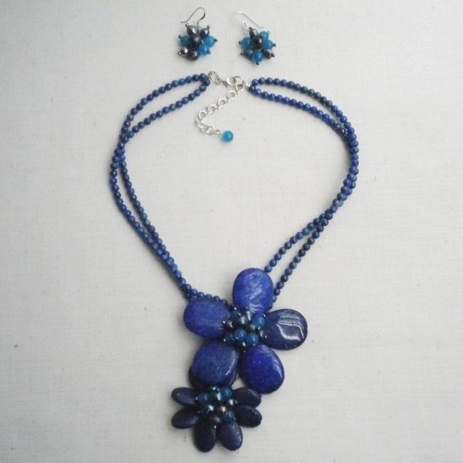 Handmade Lapis, Sandstone and Pearl Blue Floral Jewelry Set (7-10 mm) (Thailand)