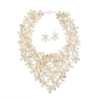 Handmade Mother of Pearl and Pearl White Mini Floral Jewelry Set (5-8 mm) (Thailand)
