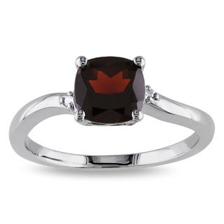 Miadora Sterling Silver Garnet and Round-cut Diamond Accent Ring
