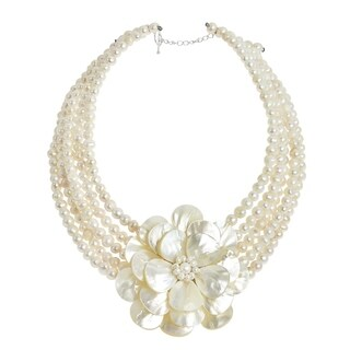 Handmade Pearl and Mother of Pearl Flower Beaded Necklace (Thailand) - White