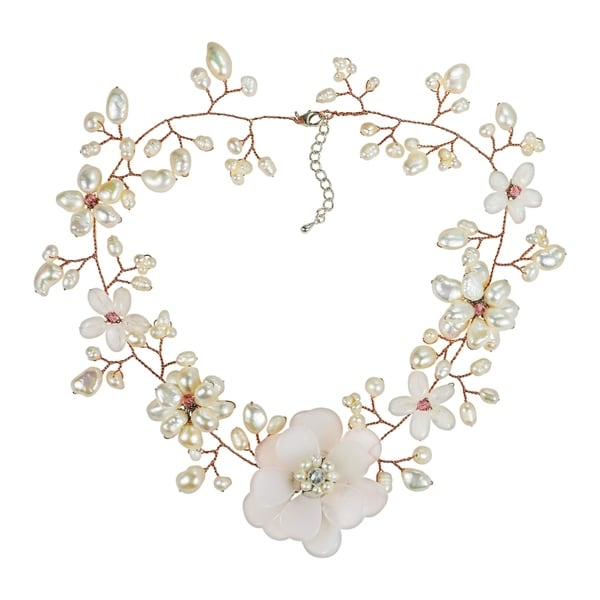 Handmade Clear Quartz with Pearl Embellishments Floral Necklace (Thailand)