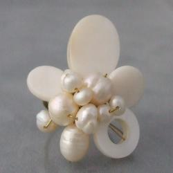 Brass White Shell and Freshwater Pearl Wrap Ring (3-10 mm) (Thailand)