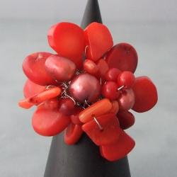 Handmade Base Metal Red Coral and Pearl Flower Wrap Ring (7-9 mm) (Thailand)