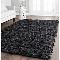 Safavieh Handmade Metro Modern Black Leather Decorative Shag Rug (4' x 6') - 4' x 6'