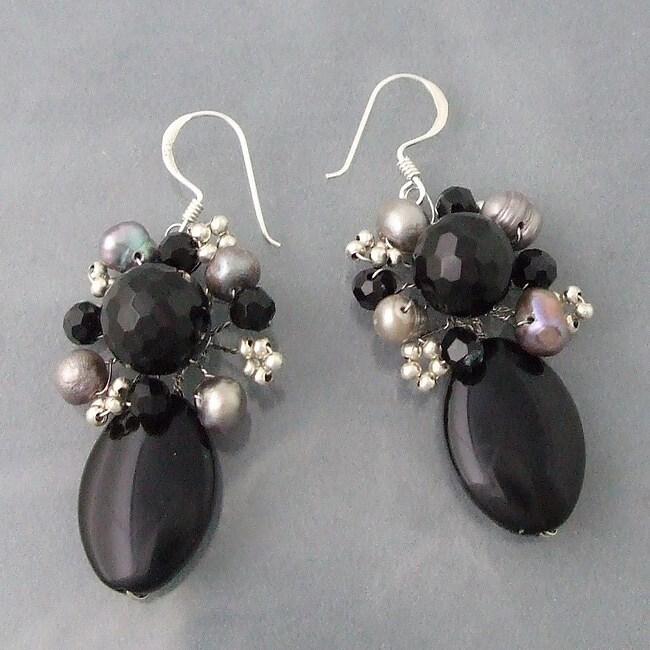 Handmade Silver Oval Black Onyx and Pearl Drop Earrings (6-8 mm) (Thailand)