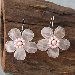 Handmade Silver Rose Quartz and Pearl Flower Drop Earrings (3-6 mm) (Thailand)