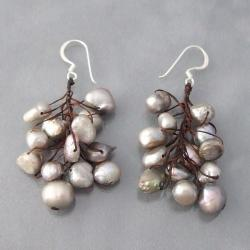 Handmade Silver/ Cotton Cool Cluster Black Pearl Earrings (5-10 mm) (Thailand)