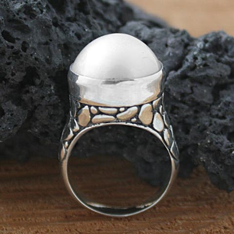 Handmade Sterling Silver Crocodile Mabe Pearl Bali Ring (14 mm) (Indonesia)