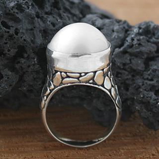 Handmade Sterling Silver Crocodile Mabe Pearl Bali Ring (14 mm) (Indonesia)