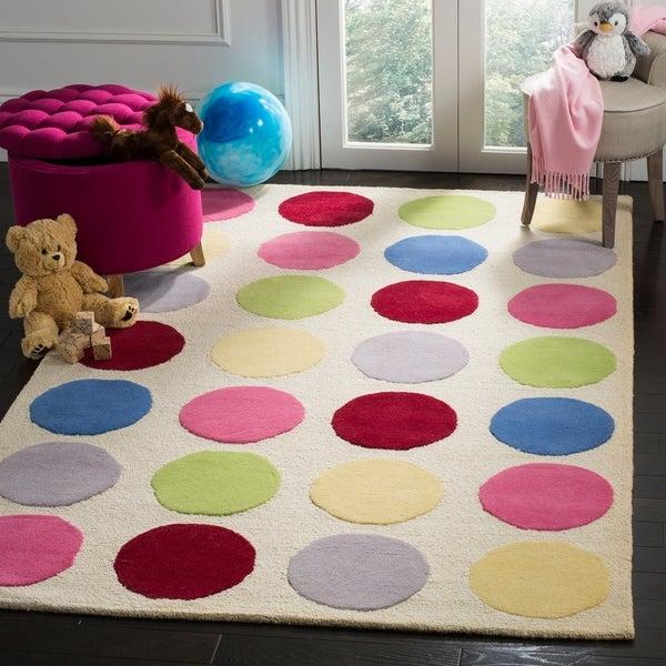 Safavieh Handmade Children's Polka Dots Ivory N. Z. Wool Rug - 8' x 10'