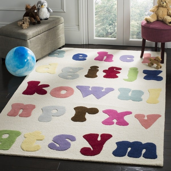 Safavieh Handmade Children's Alphabet Ivory New Zealand Wool Rug (4' x 6')