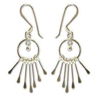 Handmade Sterling Silver 'Catch The King's Eye' Chandelier Earrings (Thailand)