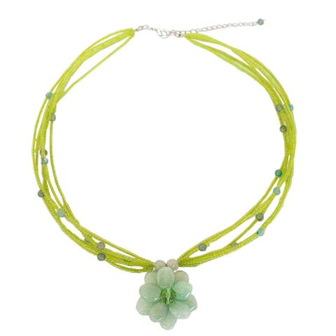 "Handmade 'Paradise Flower' Green Quartzite Necklace (Thailand) - 18.5"" L x 1.2"" W"