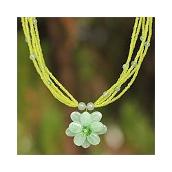 Handmade 'Paradise Flower' Green Quartzite Necklace (Thailand)