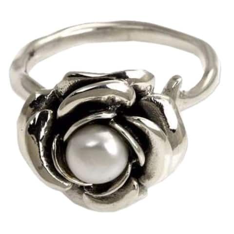 Handmade Pearl flower ring White Rose ( Indonesia )