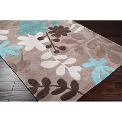 Hand-tufted Retro Chic Taupe Floral Rug (2'6 x 8') - Thumbnail 1