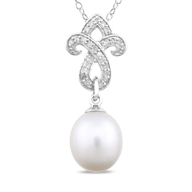 Miadora Sterling Silver FW Pearl and 1/10ct TDW Diamond Necklace (G-H, I3) (8-8.5 mm)
