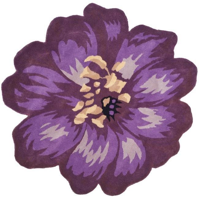 Safavieh Handmade Novelty Lilac Shaped Wool Rug (5' Round)