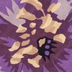 Safavieh Handmade Novelty Lilac Shaped Wool Rug (5' Round) - Thumbnail 2