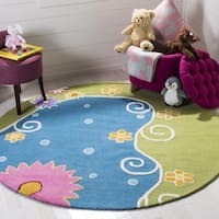 Safavieh Handmade Children's Lily Pond Blue N. Z. Wool Rug (4' Round)