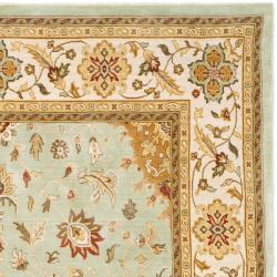 Safavieh Handmade Majesty Light Blue/ Ivory N.Z. Wool Rug (5'3 x 7'6)