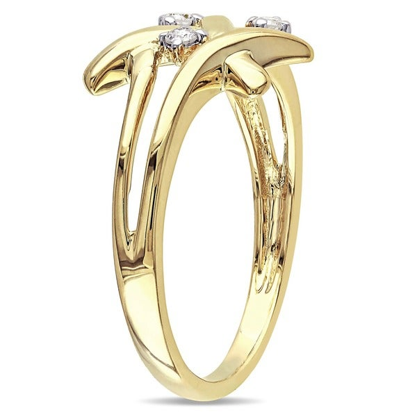 1//10 cttw, Size-10.5 G-H,I2-I3 3 Diamond Promise Ring in 14K Yellow Gold