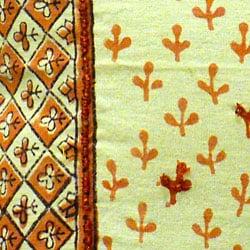 Cotton Hand-blocked 'Dhanya' Honeysuckle 18-inch Pillow Cover (India) - Thumbnail 2