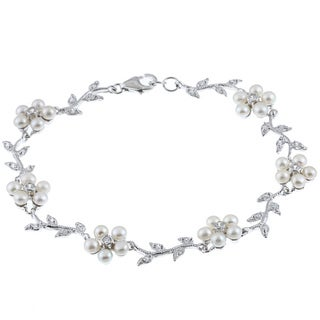 La Preciosa Sterling Silver Freshwater Pearl and Cubic Zirconia Flower Bracelet (3-4 mm)