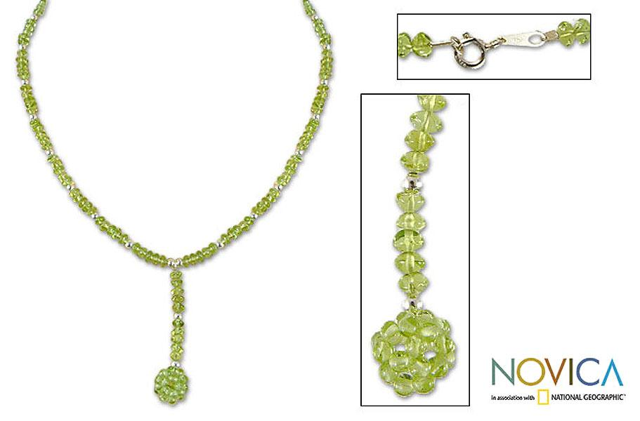 Handmade Sterling Silver 'Refreshed Soul' Peridot Necklace (Thailand)