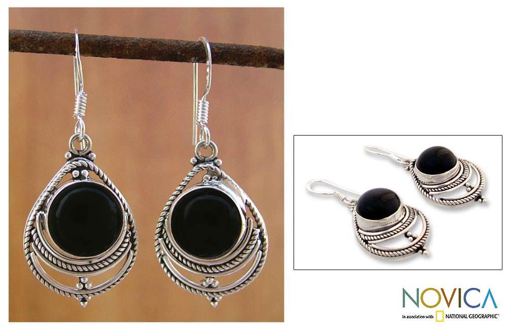 Handmade Sterling Silver 'Mystic' Onyx Earrings (India)