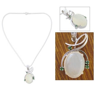Handmade Sterling Silver 'Illusion' Moonstone and Emerald Necklace (India)