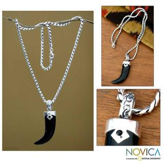 Talisman Handmade Polished Black Onyx Fang or Claw 925 Sterling Silver Snake Chain Mens Pendant (Indonesia)