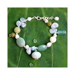 Sterling Silver 'Goddess' White Pearl Bracelet (6 mm) (Thailand)