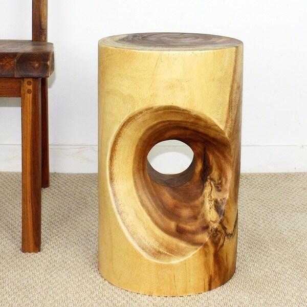Monkey Pod Wood 20-inch Peephole Clear Oil Stool (Thailand)
