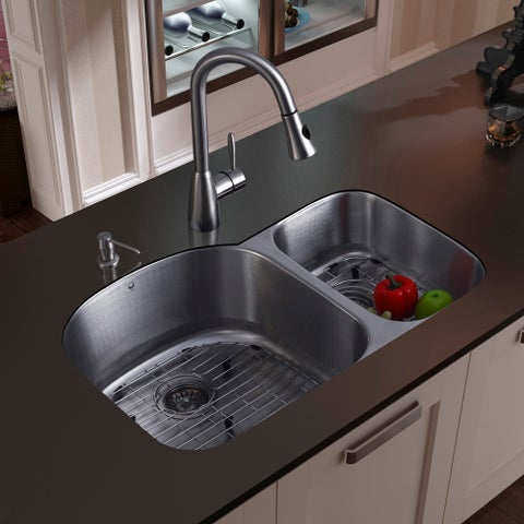 VIGO All-In-One 31 Braddock Stainless Steel Double Bowl Undermount Kitchen Sink Set With Aylesbury Faucet In Stainless Steel