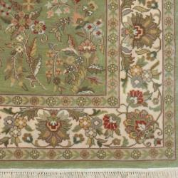 Hand-knotted Finial Desert Sage Wool Rug (5'6 x 8'6)