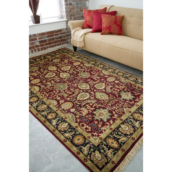 Hand-knotted Taj Mahal Dark Burgundy Wool Area Rug - 5'6 x 8'6