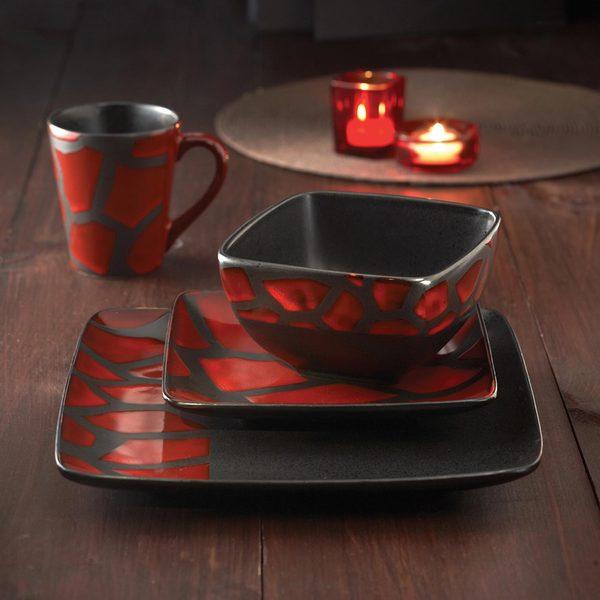 American Atelier Safari Red Giraffe 16-piece Dinnerware Set
